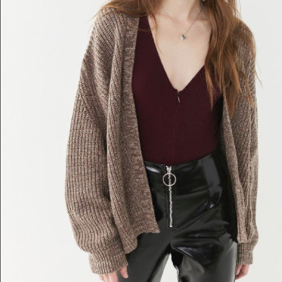 fda177368d37c Urban Outfitters brown dolman open-front cardigan.  M_5c39155bf63eea5139245741